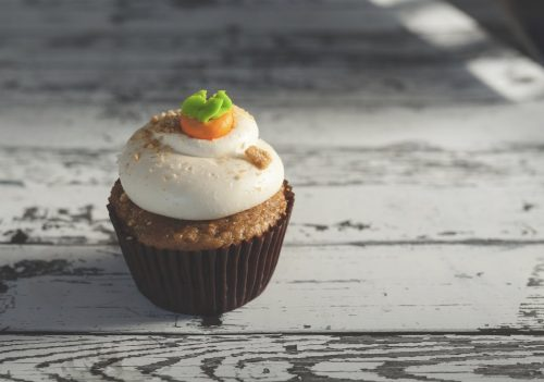using a carrot cupcake instead dangling a gross carrot to make you keep reading